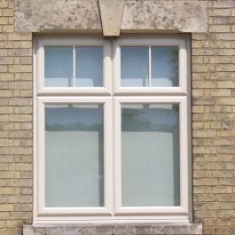 Cream Window 7